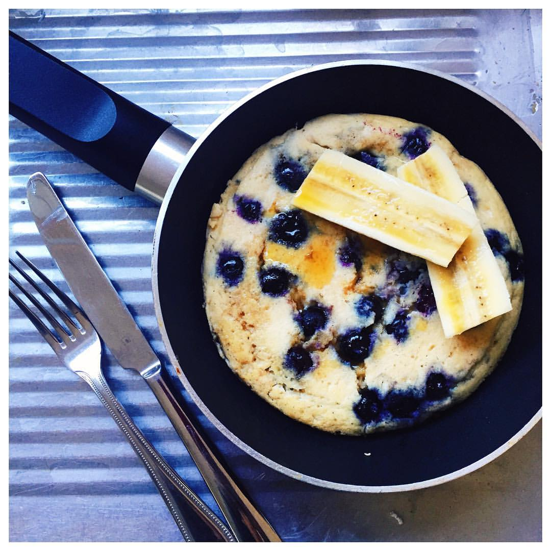 Chai & Blueberry Breakfast Pancakes