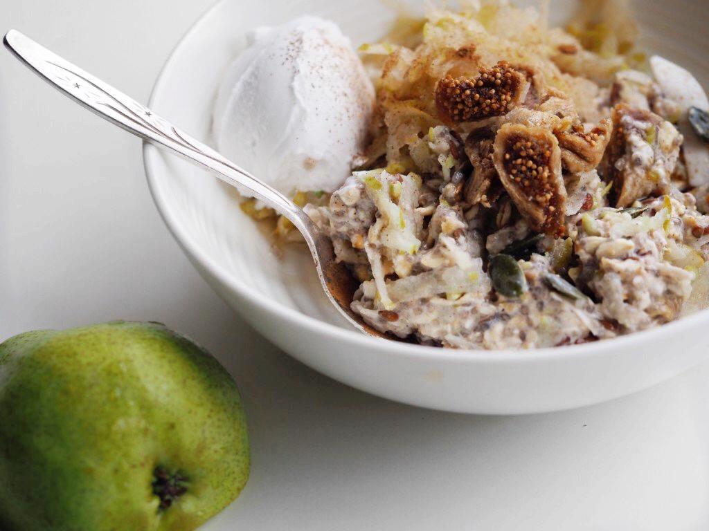 Healthy Bircher Muesli with Pear & Fig!